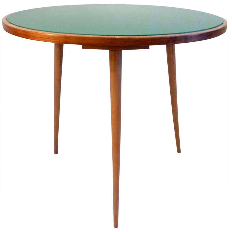 Round Table with Green Glass 1