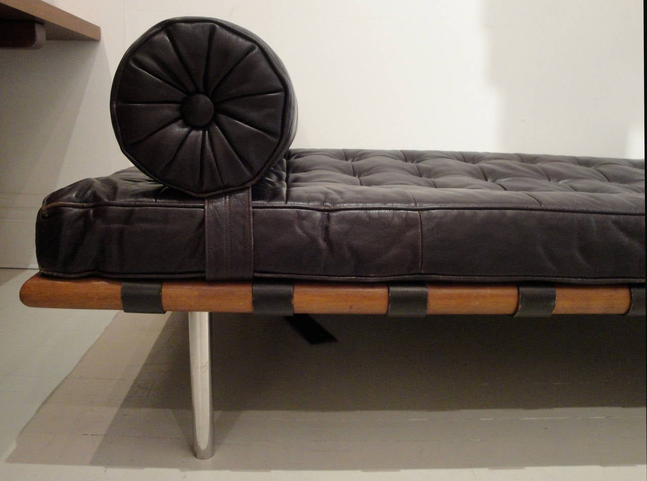 vintage daybed by mies van der rohe at 1stdibs. Black Bedroom Furniture Sets. Home Design Ideas