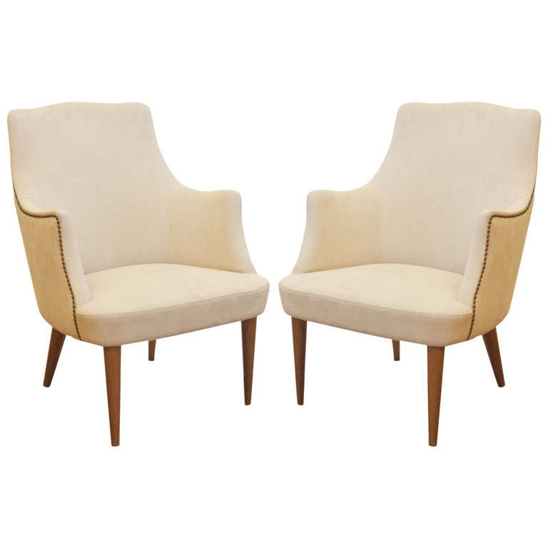 Well Formed Pair Of Petite Club Chairs At 1stdibs