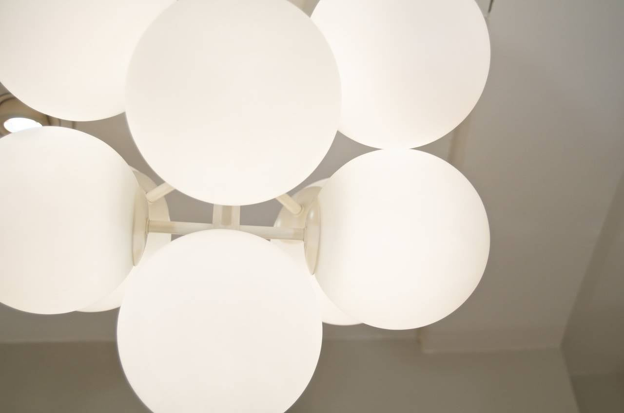 Temde Atomic Chandelier in White Enamel with Opal Globes In Excellent Condition For Sale In Stamford, CT