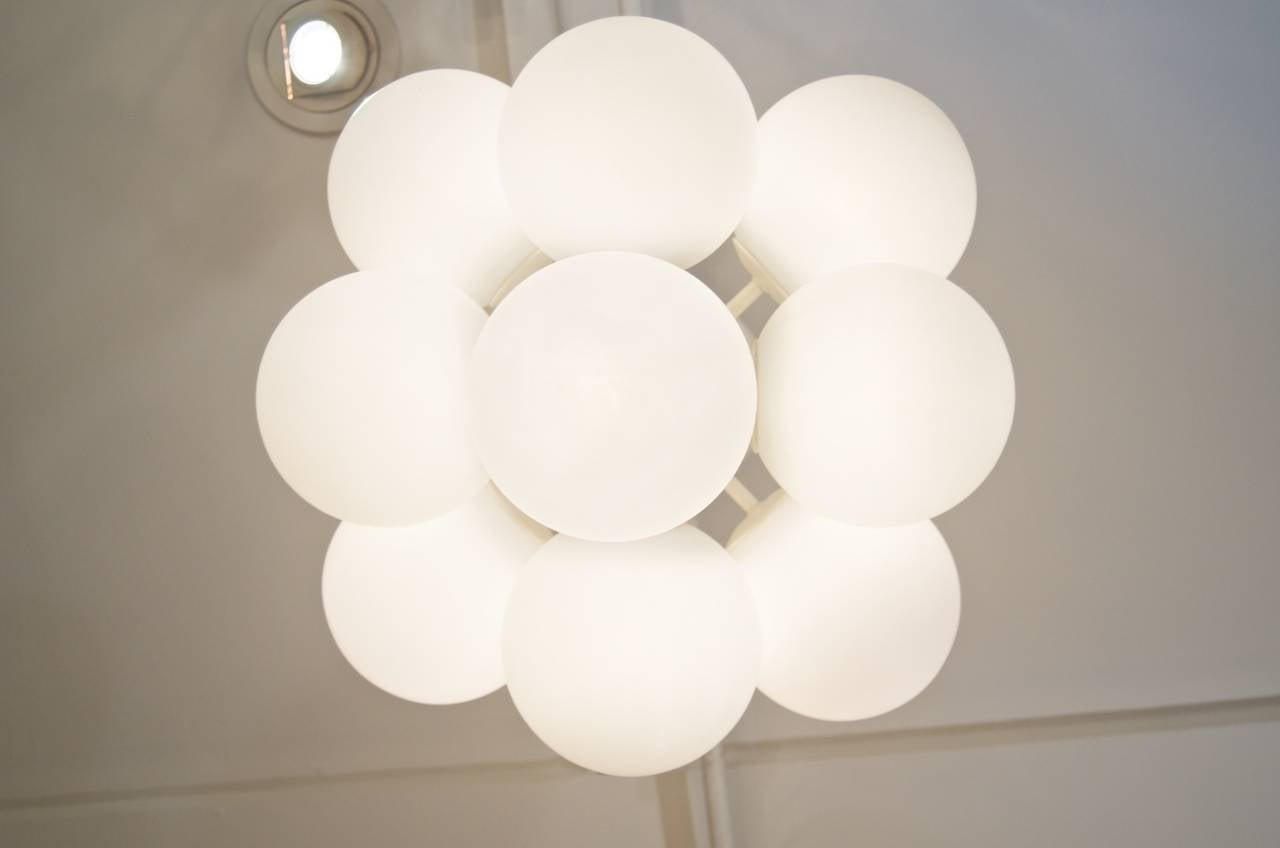 Enameled Temde Atomic Chandelier in White Enamel with Opal Globes For Sale