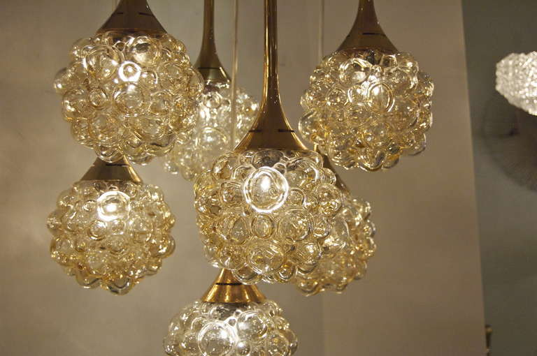 Amber-Tone Bubble Pendant Chandelier with Brass Accents In Excellent Condition For Sale In New York, NY