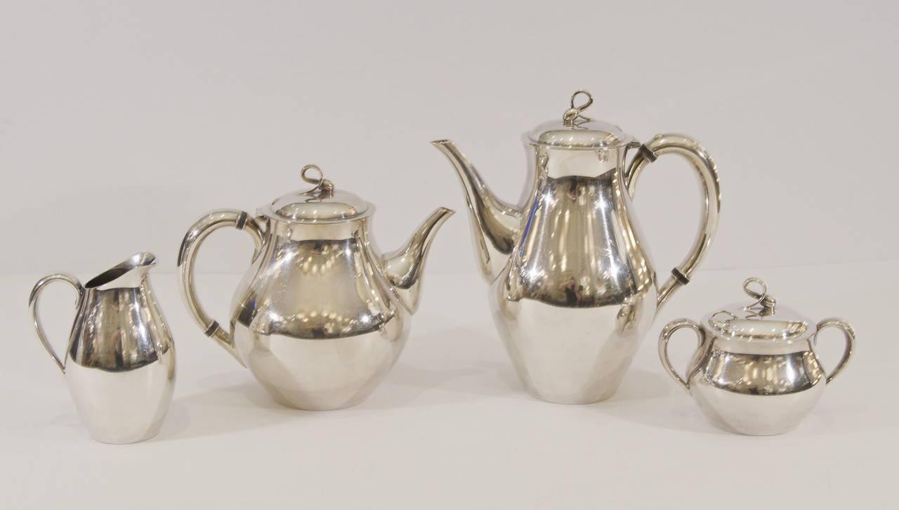 "Reed & Barton ""Americana"" Silverplate Tea & Coffee Service 2"