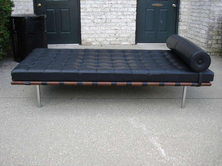 vintage ludwig mies van der rohe barcelona daybed at 1stdibs. Black Bedroom Furniture Sets. Home Design Ideas