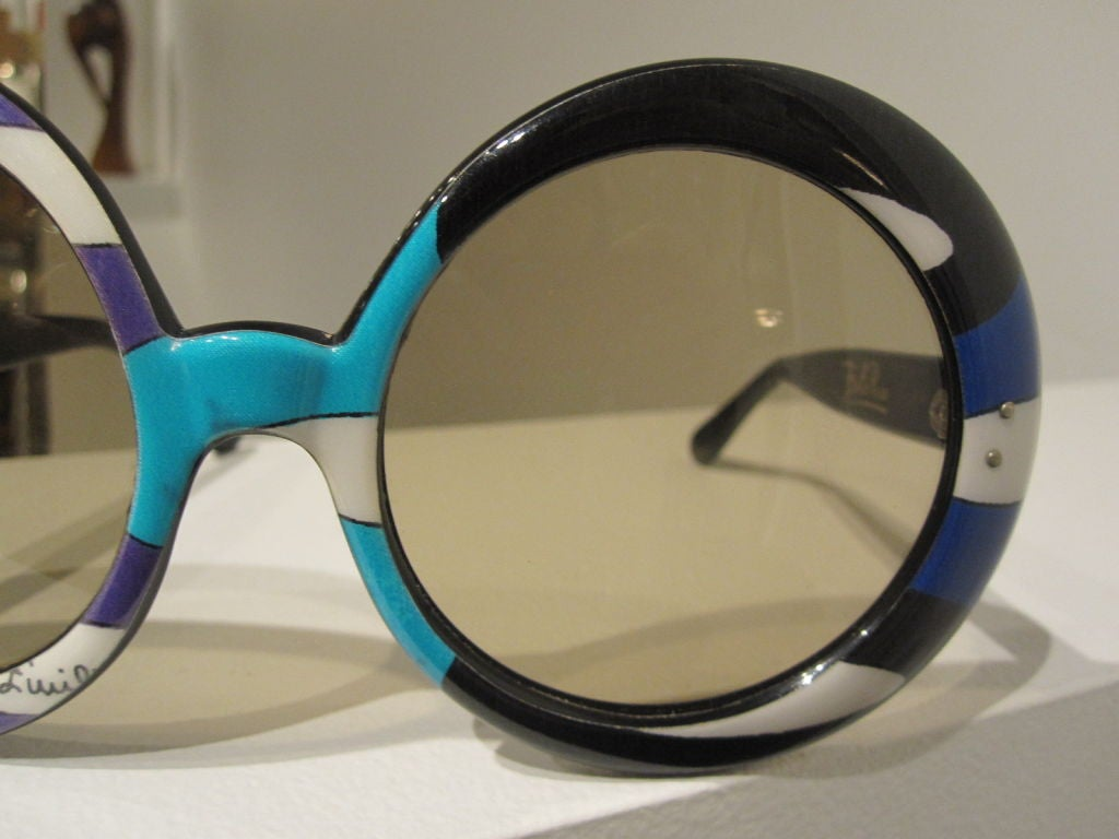 Pair of Vintage Oversized Sunglasses Designed by Emilio Pucci image 5