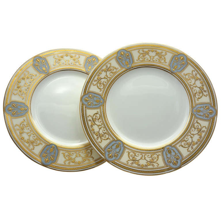 set of 12 minton art nouveau dinner plates w raised gold on gray for sale at 1stdibs. Black Bedroom Furniture Sets. Home Design Ideas