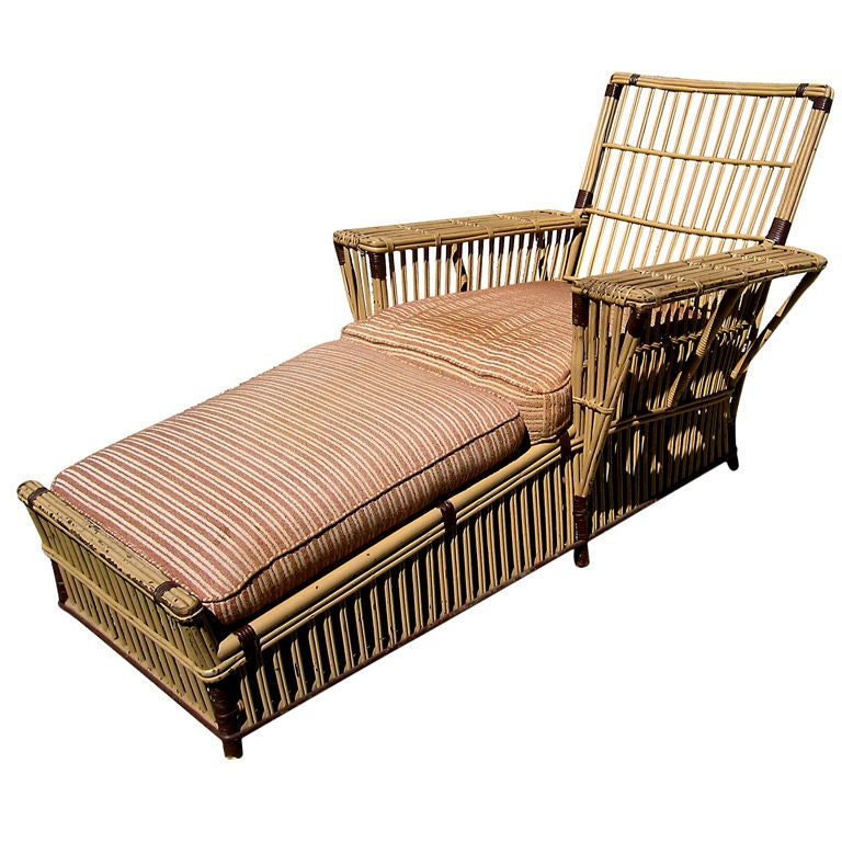 Stick wicker chaise longue at 1stdibs for Chaise longue rattan sintetico