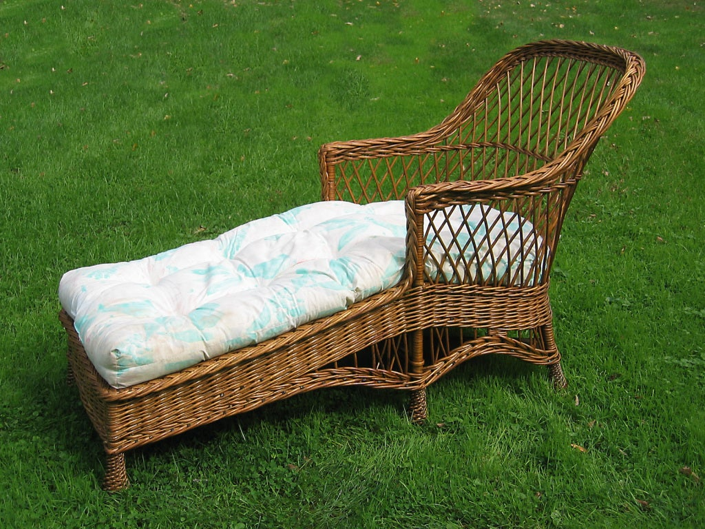 Bar harbor wicker chaise longue for sale at 1stdibs for Chaise longue rattan sintetico