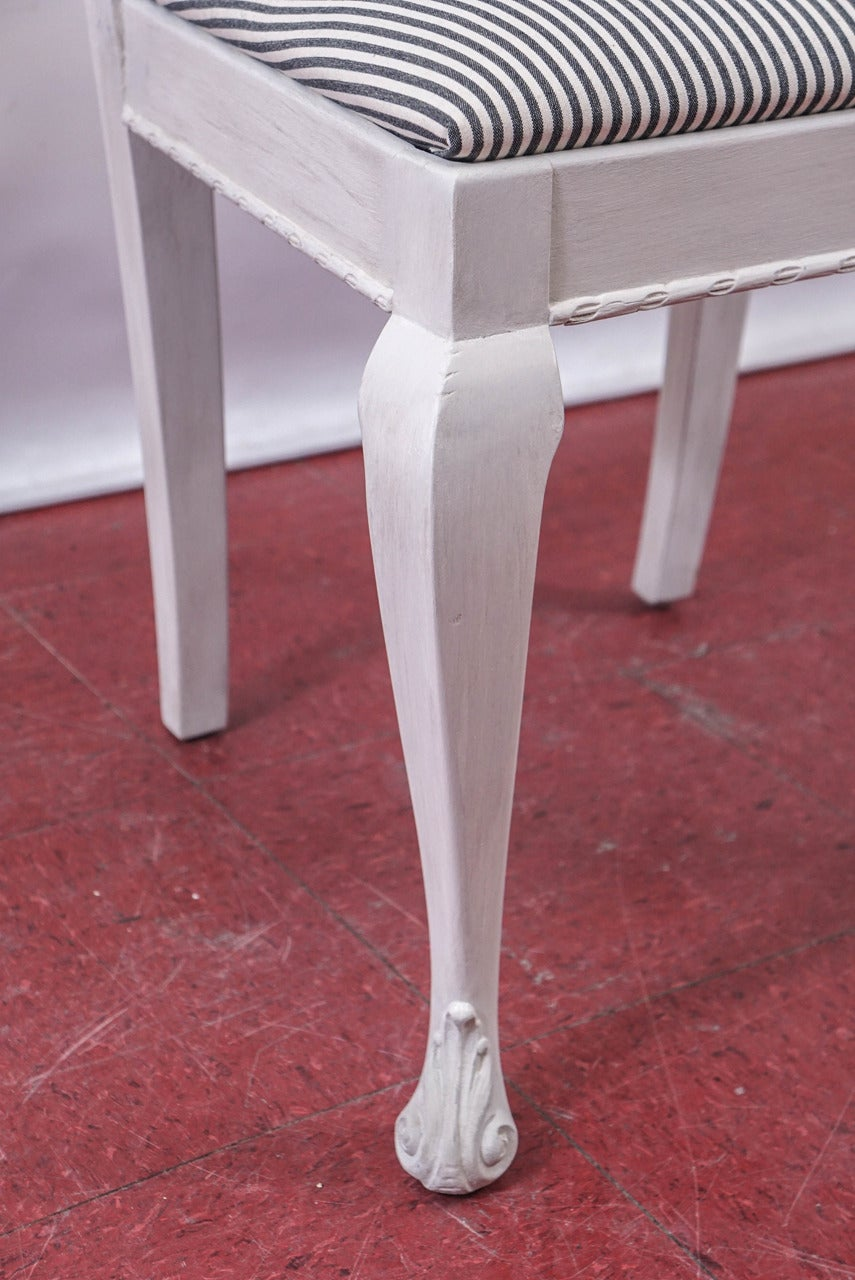 Six Painted Chippendale-Style Dining Chairs For Sale 2