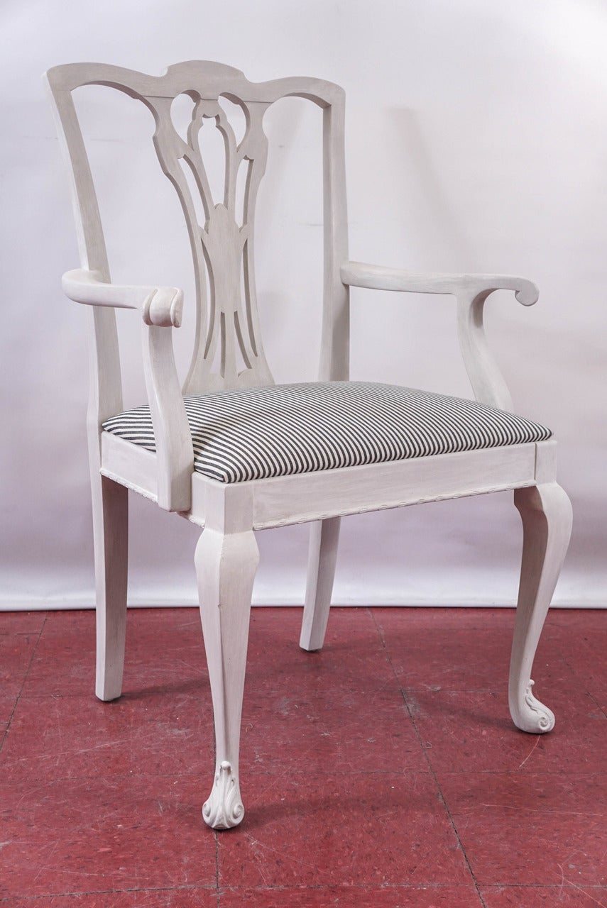 Six Painted Chippendale-Style Dining Chairs For Sale 3