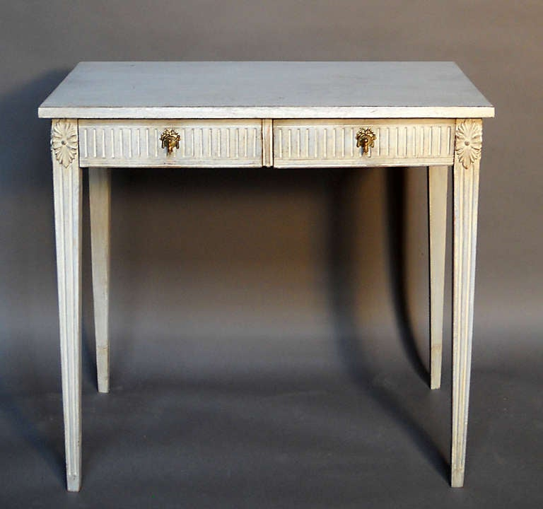 Small console table at 1stdibs for Small console table with shelf