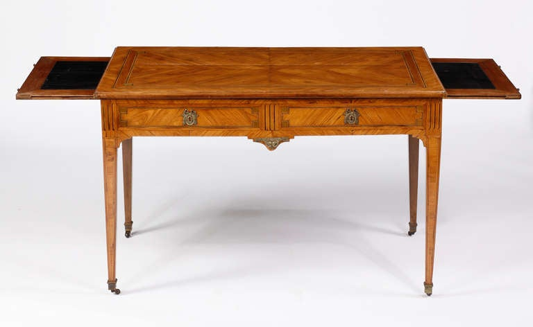 A Louis XVI Kingwood & Tulipwood Inlaid Writing Desk, 18th Century In Excellent Condition For Sale In Sheffield, MA