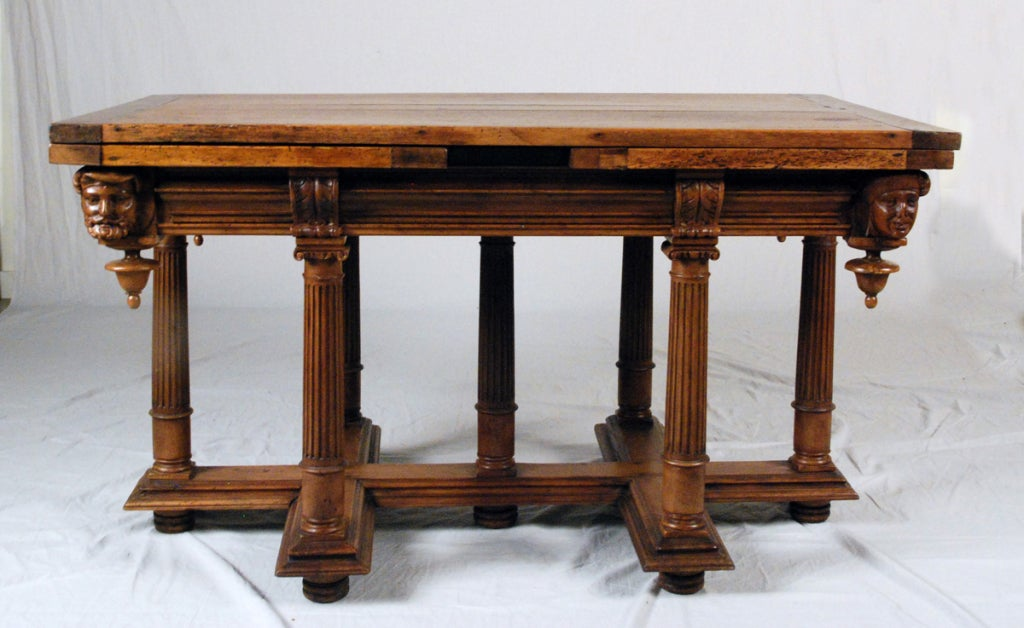 a fine henry ii walnut draw leaf table for sale at 1stdibs. Black Bedroom Furniture Sets. Home Design Ideas