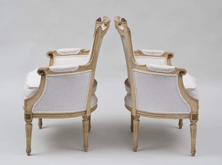 Beech Pair of French Louis XVI Style Bergères For Sale