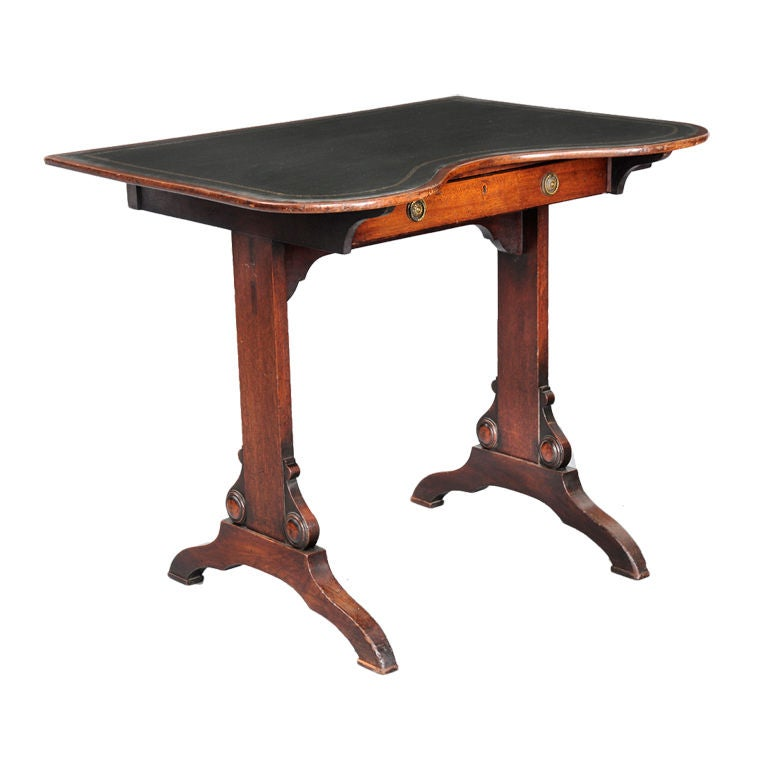 English Kidney-Shaped Writing table