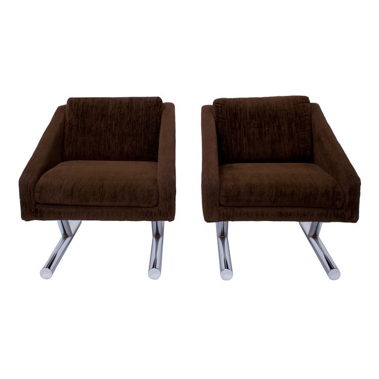 Pair Of Carsons Club Chairs At 1stdibs