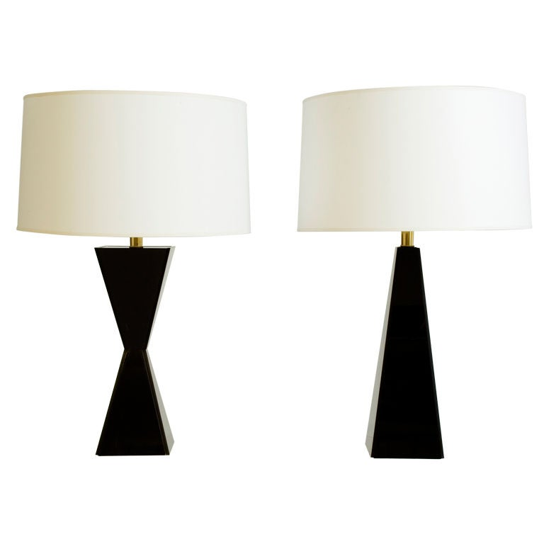 pair of black acrylic table lamps at 1stdibs. Black Bedroom Furniture Sets. Home Design Ideas