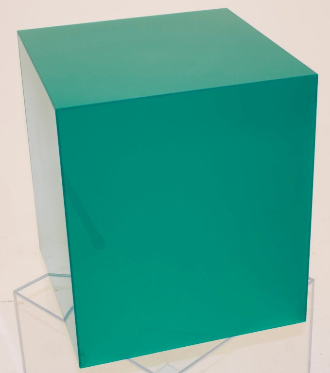 Emerald Green Lucite Lamp-table image 2