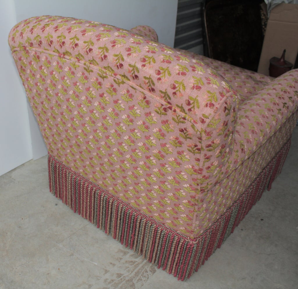 Pair of comfortable overstuffed chairs at 1stdibs for Overstuffed armchair