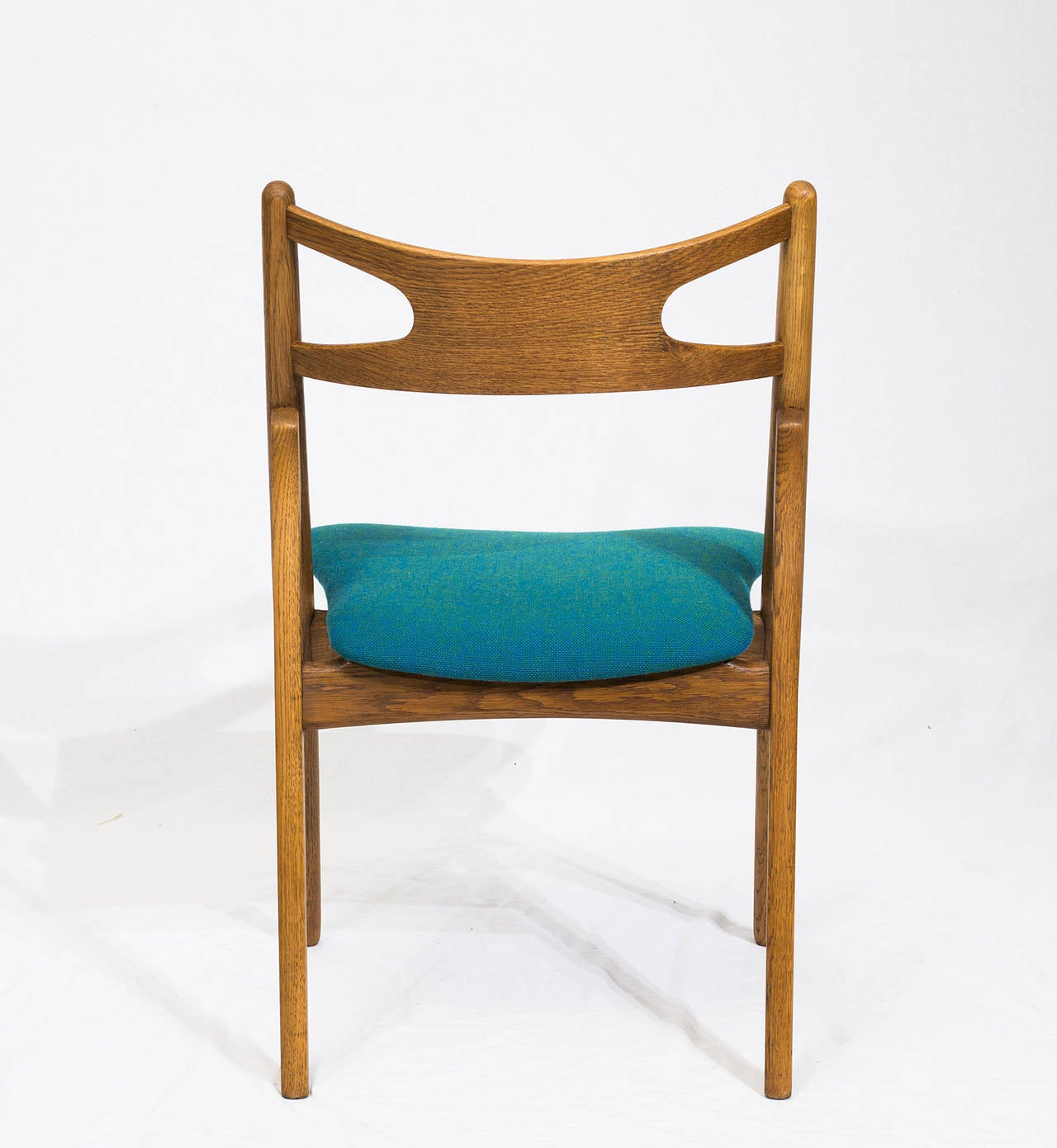 Set of 12 Hans Wegner CH 29 Dining Chairs In Excellent Condition For Sale In Los Angeles, CA