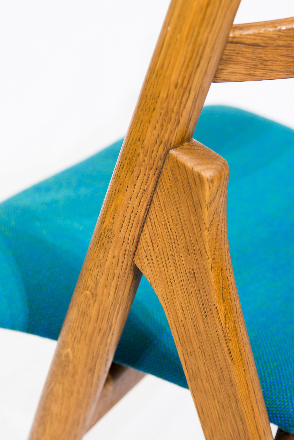 Oak Set of 12 Hans Wegner CH 29 Dining Chairs For Sale