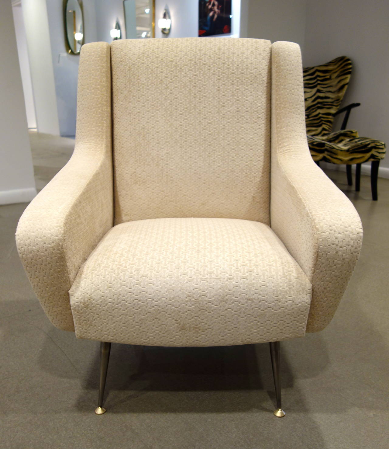 Mid-20th Century Pair of Mid-Century Modern Italian Sculptural Lounge Chairs or Armchairs For Sale