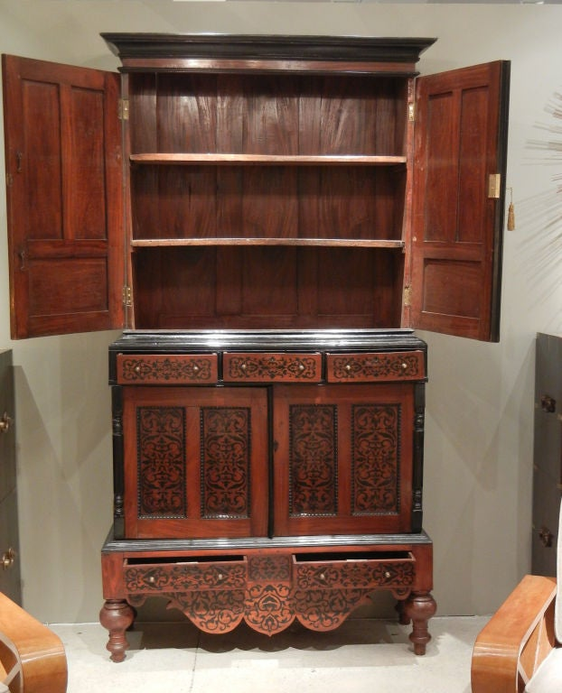 Colonial Dutch Mahogany Cabinet Inlaid with Ebony For Sale 2