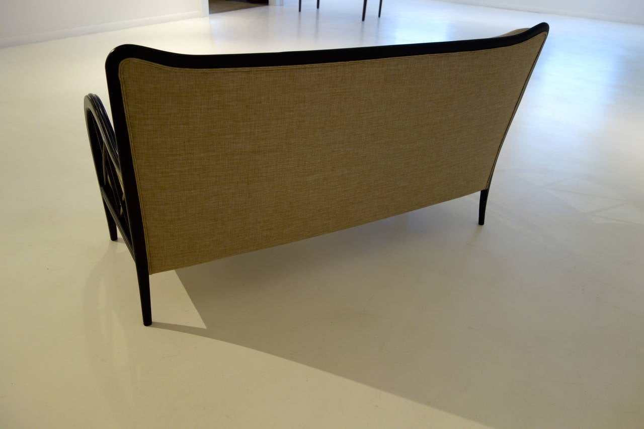 Italian Mid-Century Paolo Buffa Style Settee In Excellent Condition For Sale In New York, NY