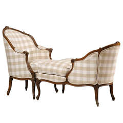 French Louis XV Style 1850s Walnut Duchesse Brisée Upholstered Chaise Longue