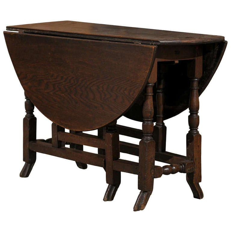 18th Century English Oak Gateleg Drop-Leaf Table with Turned Legs and Drake Feet