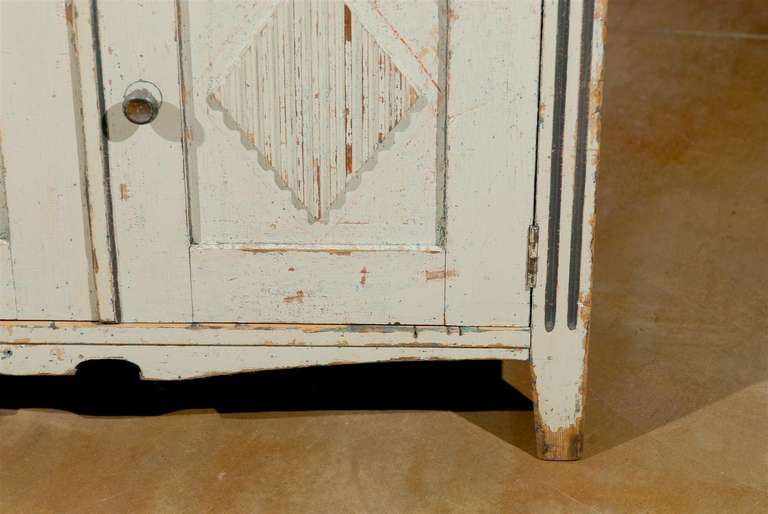 Swedish 1890s Gustavian Style Painted Wood Buffet with Two Drawers and Two Doors For Sale 1