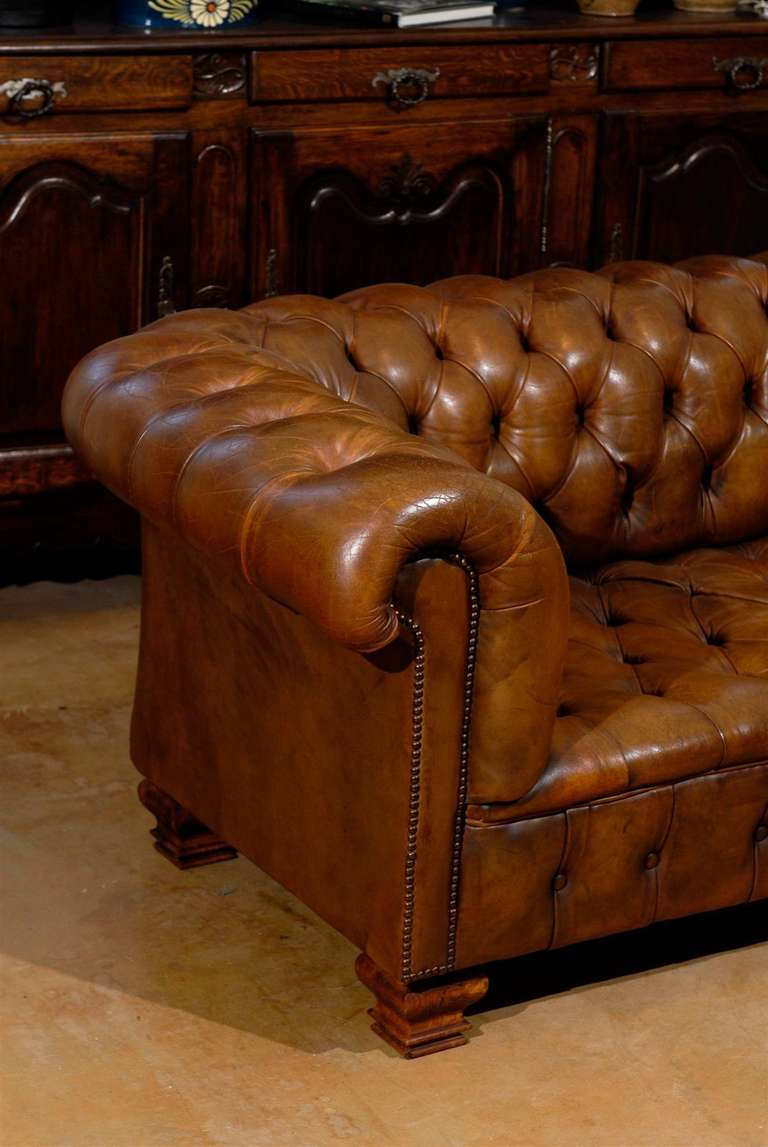 19th century chesterfield sofa at 1stdibs for Decor jewelry chesterfield