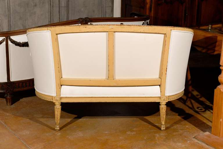 French Louis XVI Style Carved Wood Canapé with Wraparound Back, circa 1890 For Sale 6