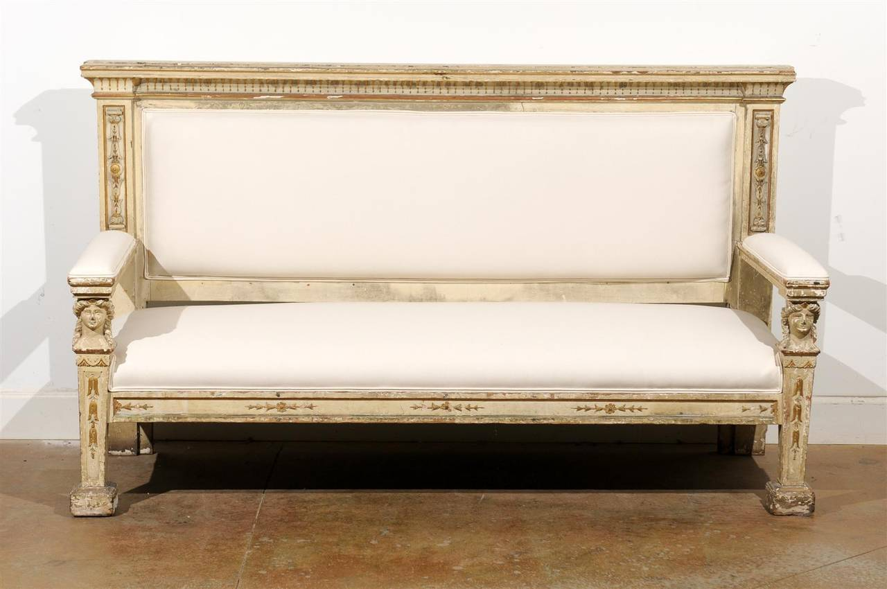 Neoclassical 1820s, Tuscan Upholstered Wooden Bench with Classical Figures In Excellent Condition For Sale In Atlanta, GA