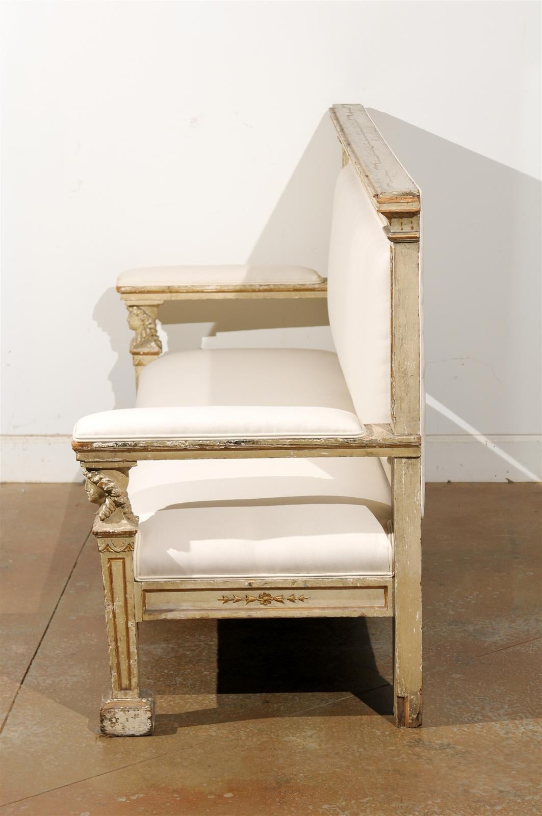 19th Century Neoclassical 1820s, Tuscan Upholstered Wooden Bench with Classical Figures For Sale