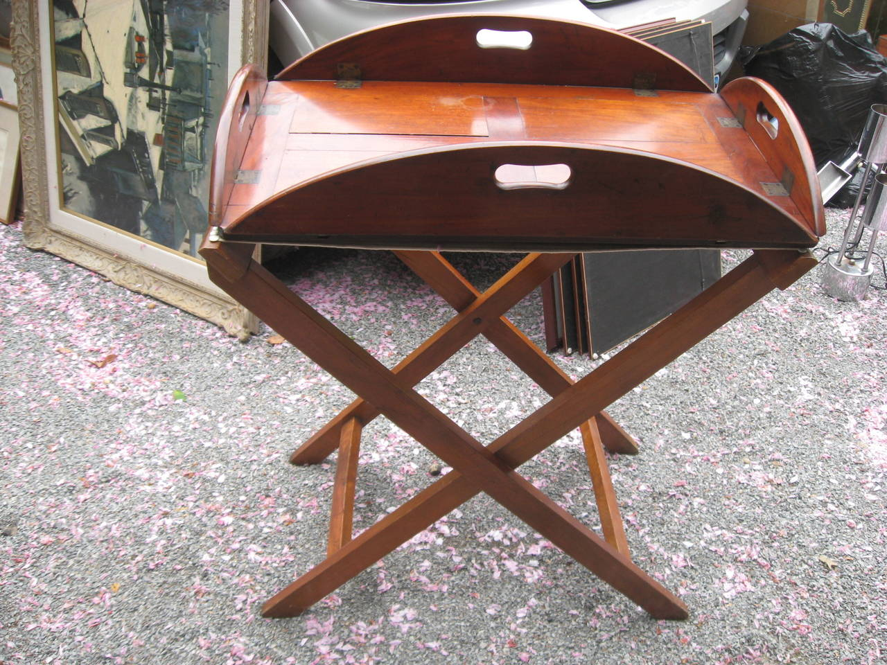 19th Century English Mahogany Butlers Tray Table In Good Condition For Sale In Water Mill, NY