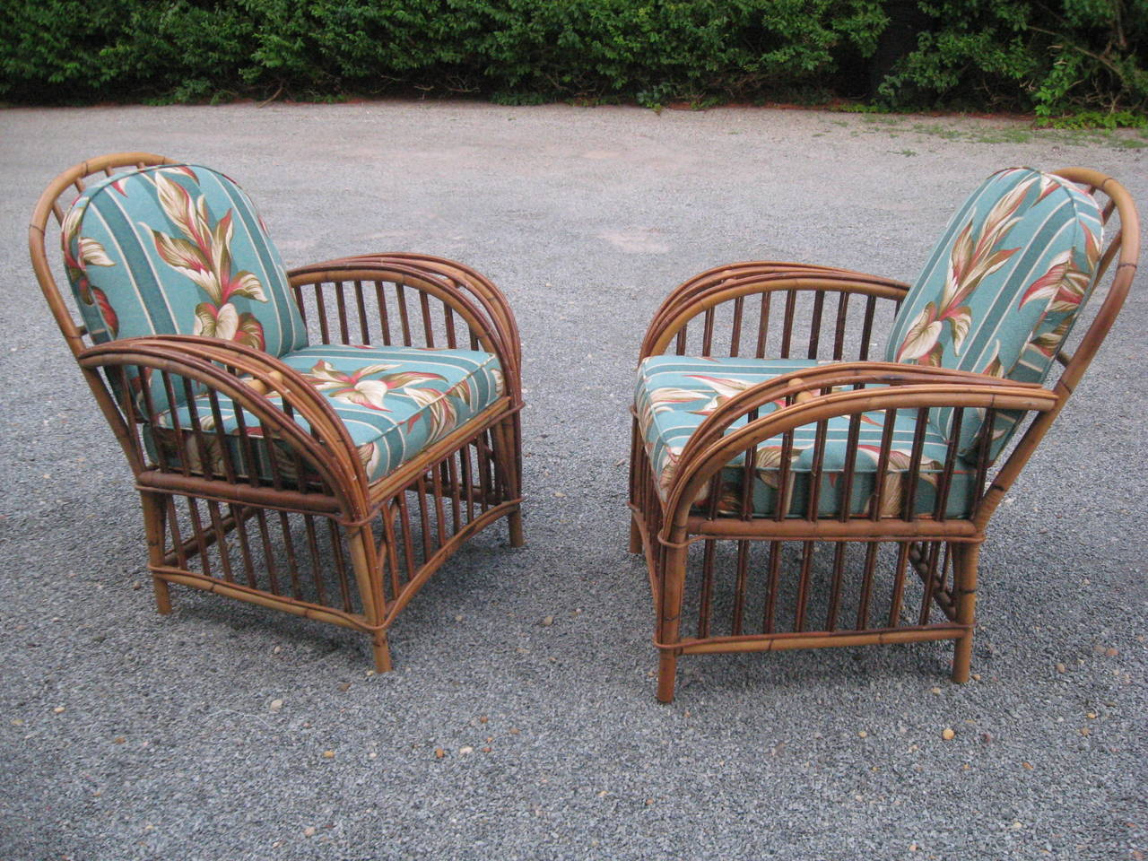 20th Century Vintage Pair of Rattan Lounge Chairs For Sale