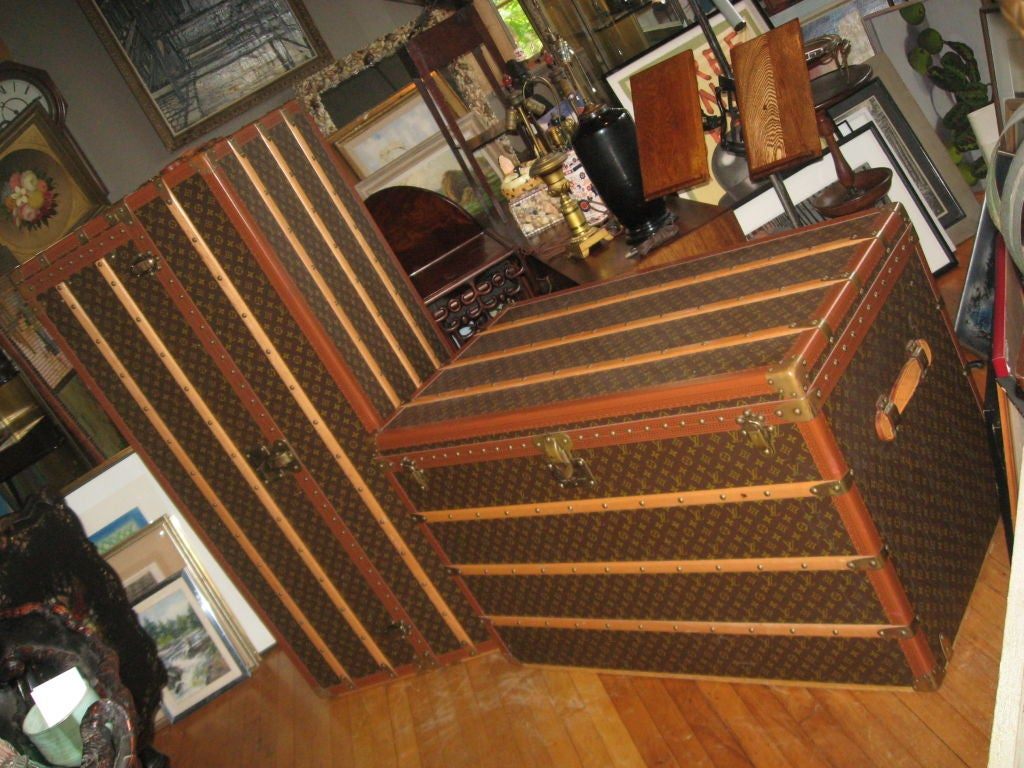 Mid-20th Century Louis Vuitton Courier Steamer Trunk For Sale