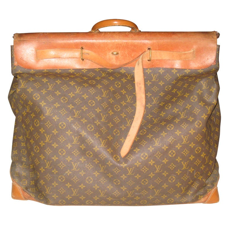 d0b5385859e3f 1901   The Steamer bag is first created. In its original shape has no LV  monogram but soon ...