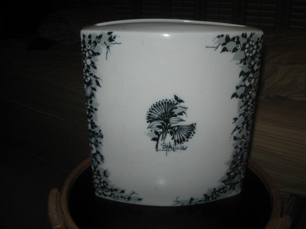 Porcelain vase in blue and white signed Bjorn Winblad for Rosenthal.