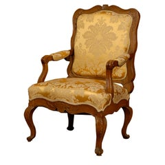 Fine Early Regence Walnut Fauteuil,  Italy ca. 1730