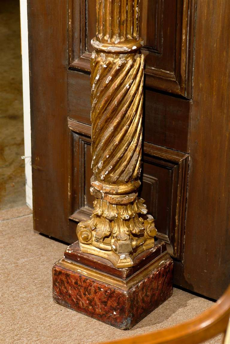 Pair of 19th Century Italian Neoclassical Gilt-Wood Columns For Sale 1