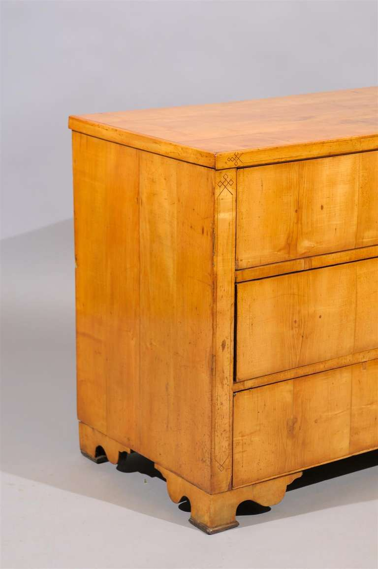 Biedermeier 19th Century Biedermier Commode with Inlay For Sale