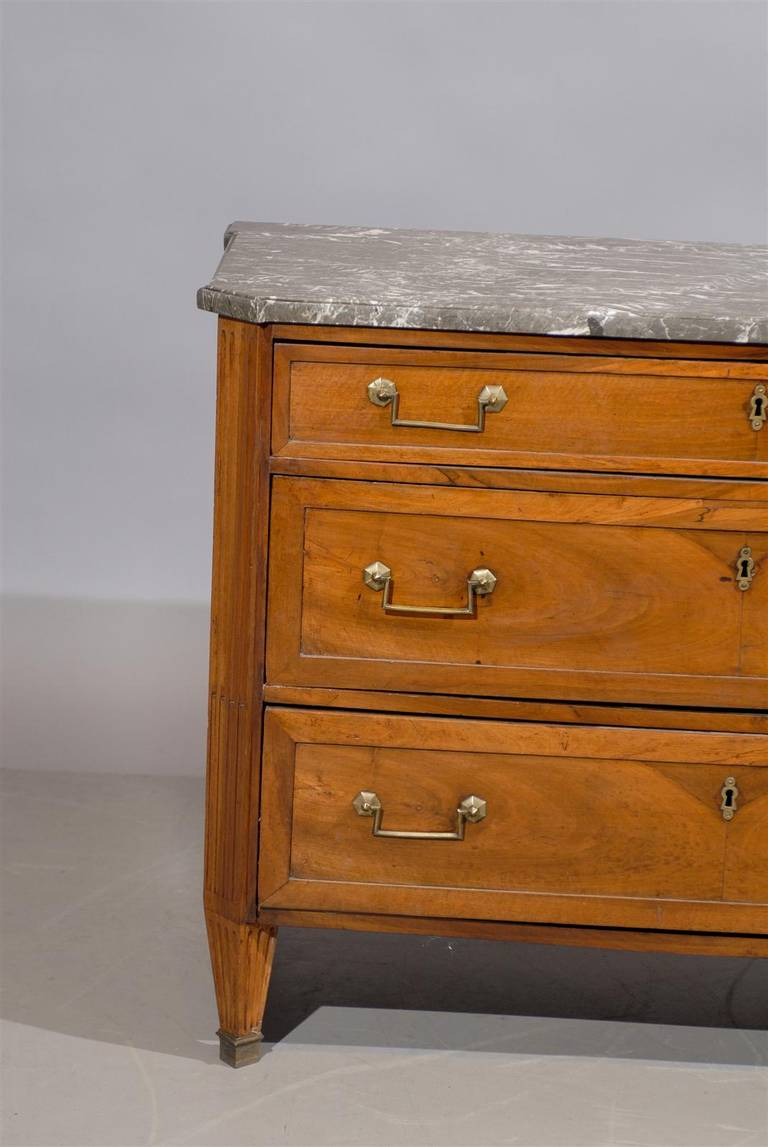 louis xvi petite commode in walnut with grey marble top at 1stdibs. Black Bedroom Furniture Sets. Home Design Ideas