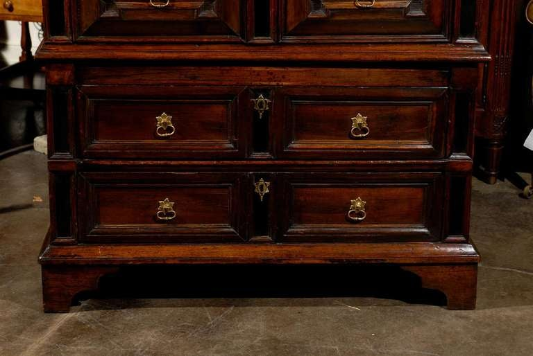 Mid-18th Century Large English George III Geometric Front Five-Drawer Commode For Sale 2