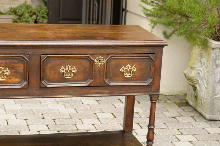 English Mid-19th Century Oak Sideboard with Two Drawers and Lower Shelf For Sale 4