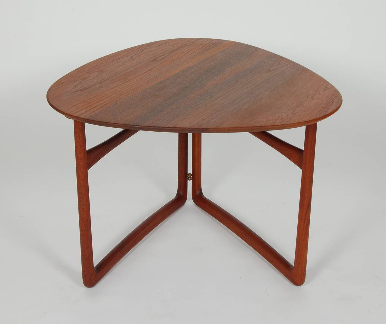Folding Side Table : Peter Hvidt Folding Side Table at 1stdibs