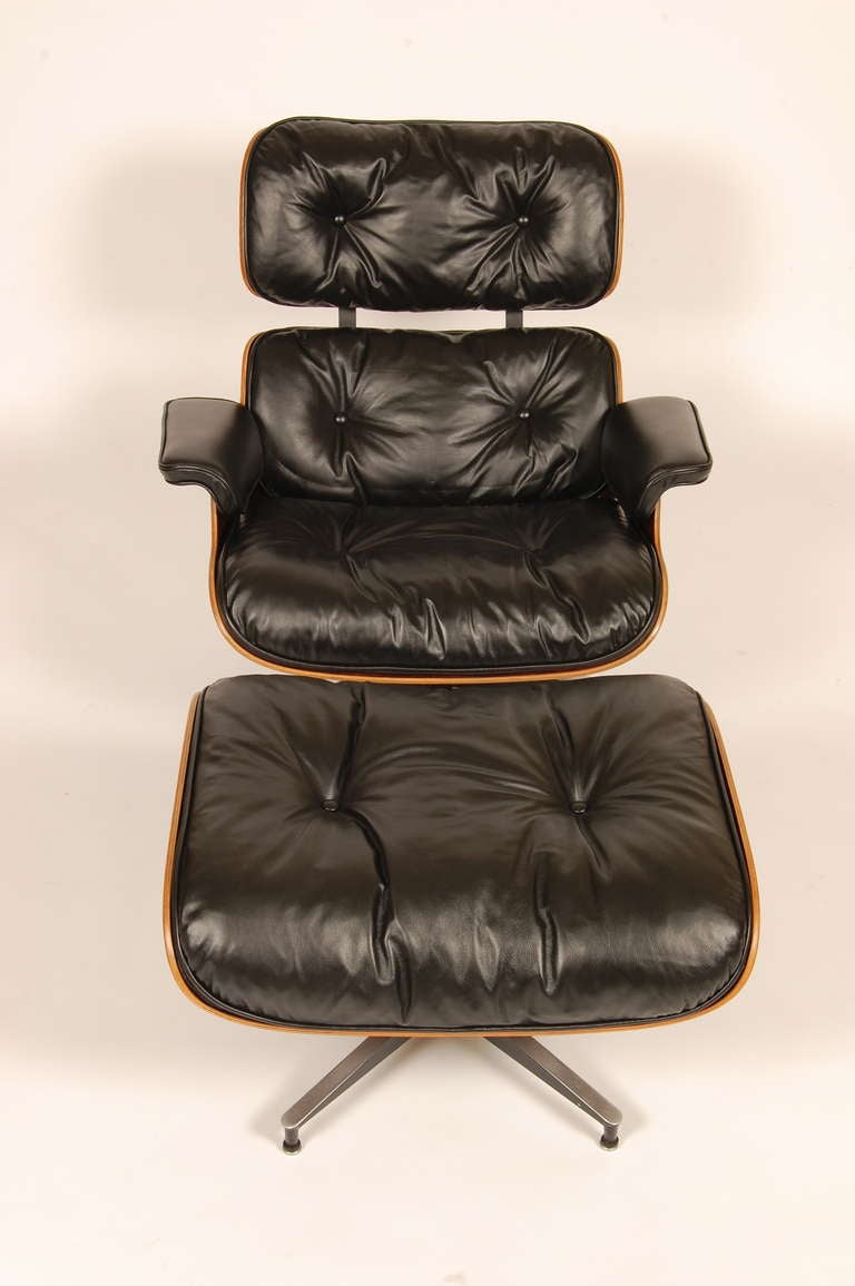 Eames lounge chair and ottoman 1960s at 1stdibs - Eames lounge chair prix ...