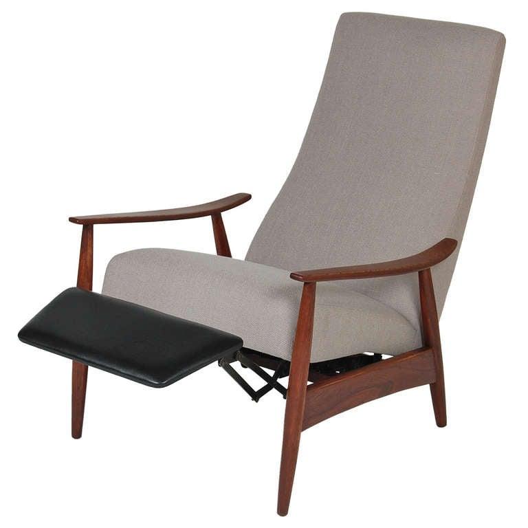 Milo Baughman Recliner Lounge Chair at 1stdibs