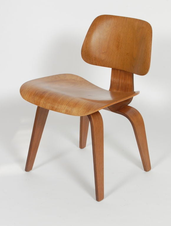 early 1950s eames dining chair an icon of mid 20th century vanguard